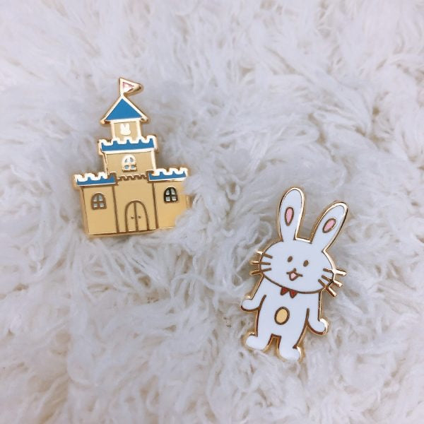 mihaland - Miyu the Rabbit Enamel Pin (EP002)