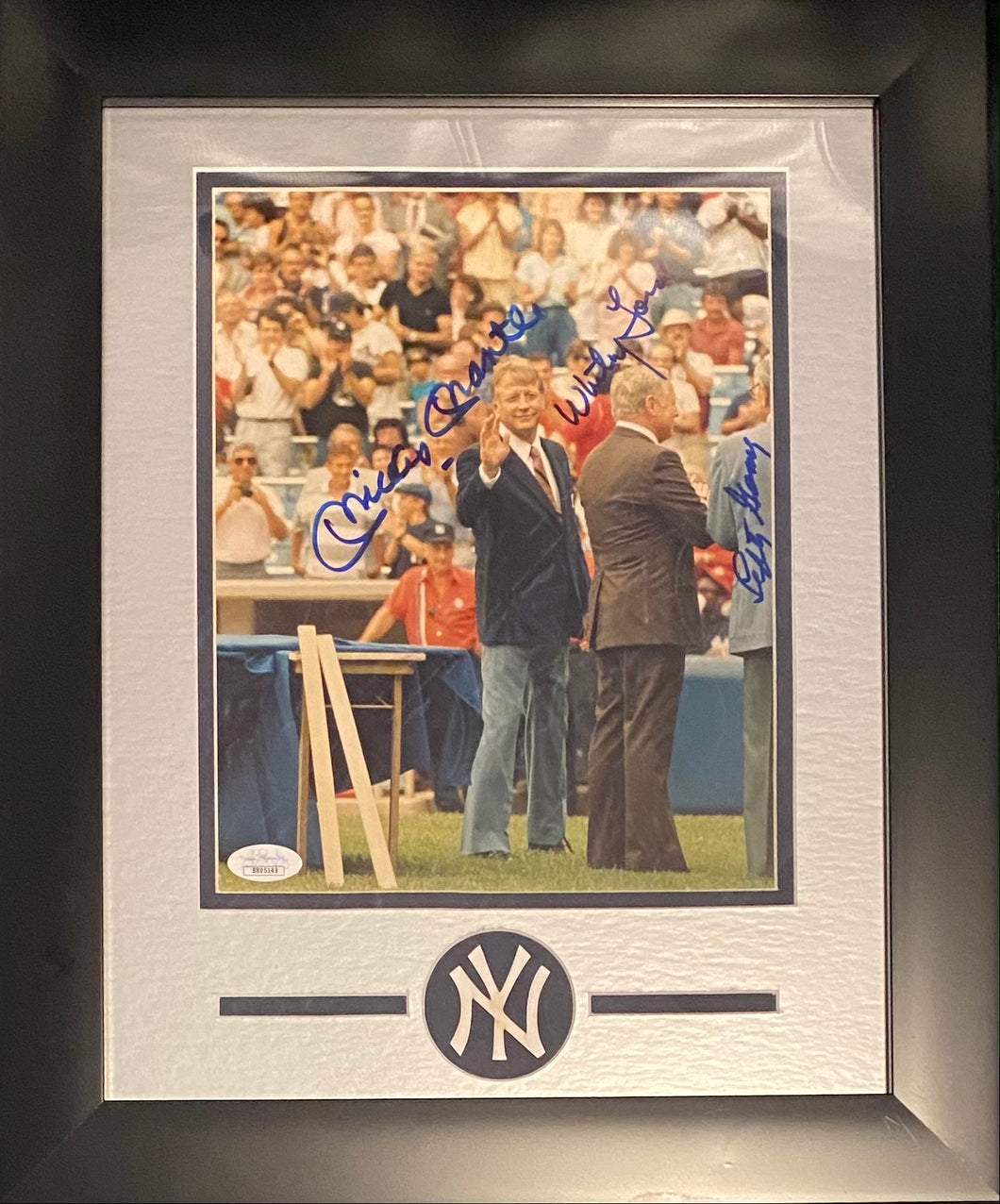 Mickey Mantle Autographed 8x10 Framed Yankees JSA
