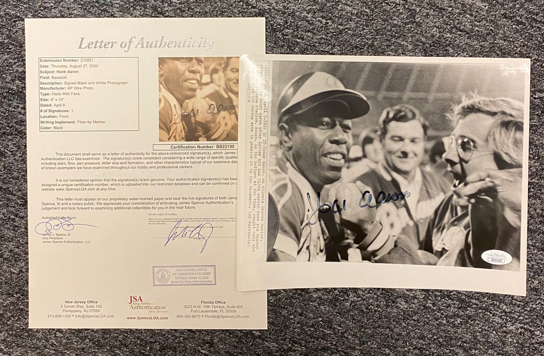 Hank Aaron Signed Black & White Photo - JSA Cert