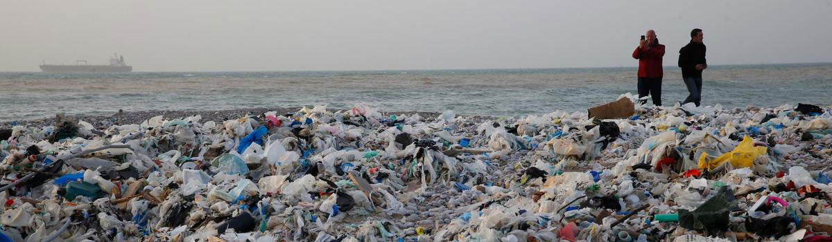 plastic landfill in gulf countries