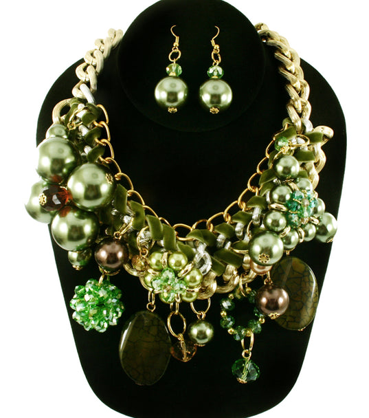 'Zara' Beaded Pearl Necklace and Earring Set