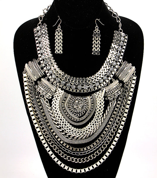 'Nicole'  Short Bib  Necklace