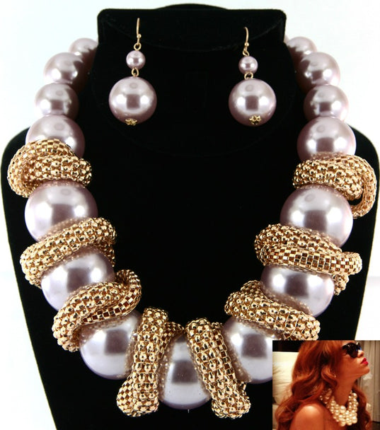 'Celeb' Pearl Necklace and Earring Set  - White