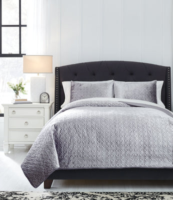 Maryam Signature Design by Ashley Coverlet Set Queen
