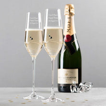 Carica l'immagine nel visualizzatore di Gallery, Personalise your 2 Glasses Engraved Set Swarovski® Crystal Champagne Flutes - Swirls