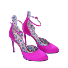 Load image into Gallery viewer, Gucci Virginia Mary Jane Heels