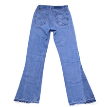 Load image into Gallery viewer, Vintage Levi's Flare Jeans