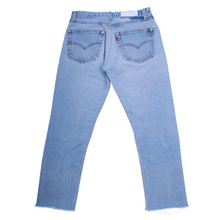 Load image into Gallery viewer, RE/DONE Mid-Rise Stove Pipe Jeans