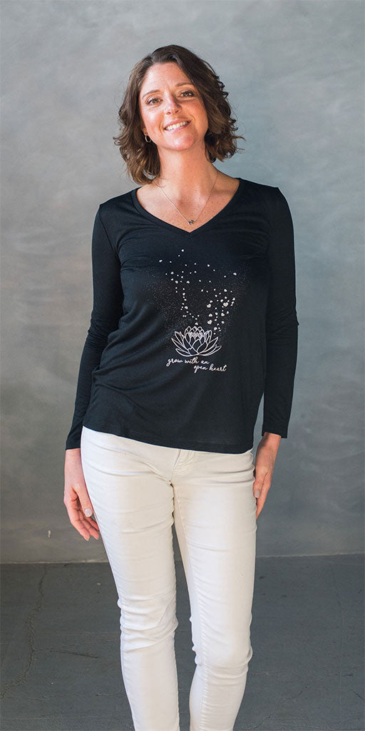 Lolly Dagger Model Grow with an Open Heart Lotus Flower Black Long Sleeve