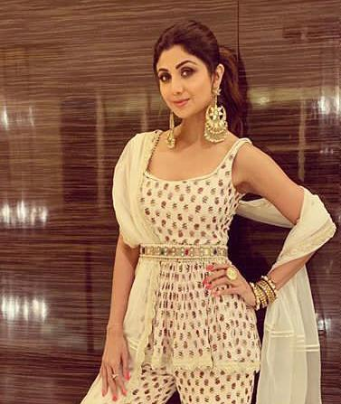 Shilpa Shetty in Gold Large Fringe Earrings