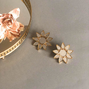 Gold Big Sitara Earrings