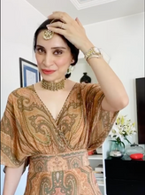 Load image into Gallery viewer, Amrita Thakur in our Gold Fringe Necklace