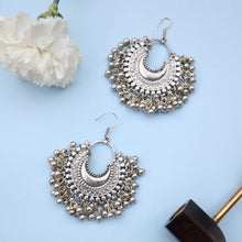 Load image into Gallery viewer, Crescent Ghungroo Earrings