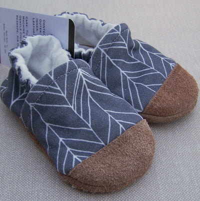 Snow and Arrows Cotton Slippers - Grey Feather