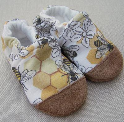 Snow and Arrows Cotton Slippers - Honeycomb - ECOBUNS BABY + CO.