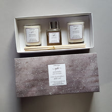 Load image into Gallery viewer, serenity votive & reed diffuser gift set