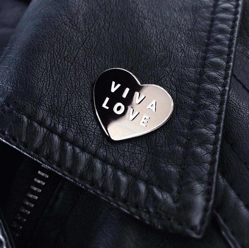 'Viva Love' Hard Enamel Pin