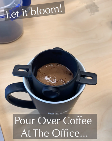 pour over coffee - blooming