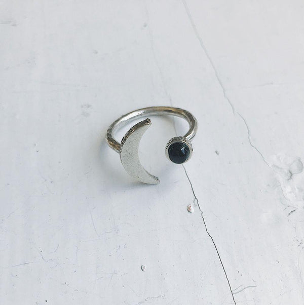 Crescent Moon Ring with Black Onyx - i.cluie.com