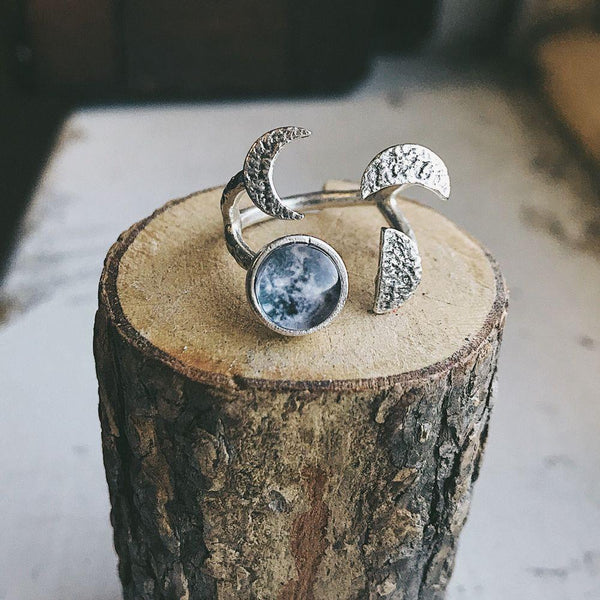Moon Phase Sculpture Ring - i.cluie.com