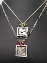 Load image into Gallery viewer, Clockworks Limited Edition Pendant Silver Peridot SSP25
