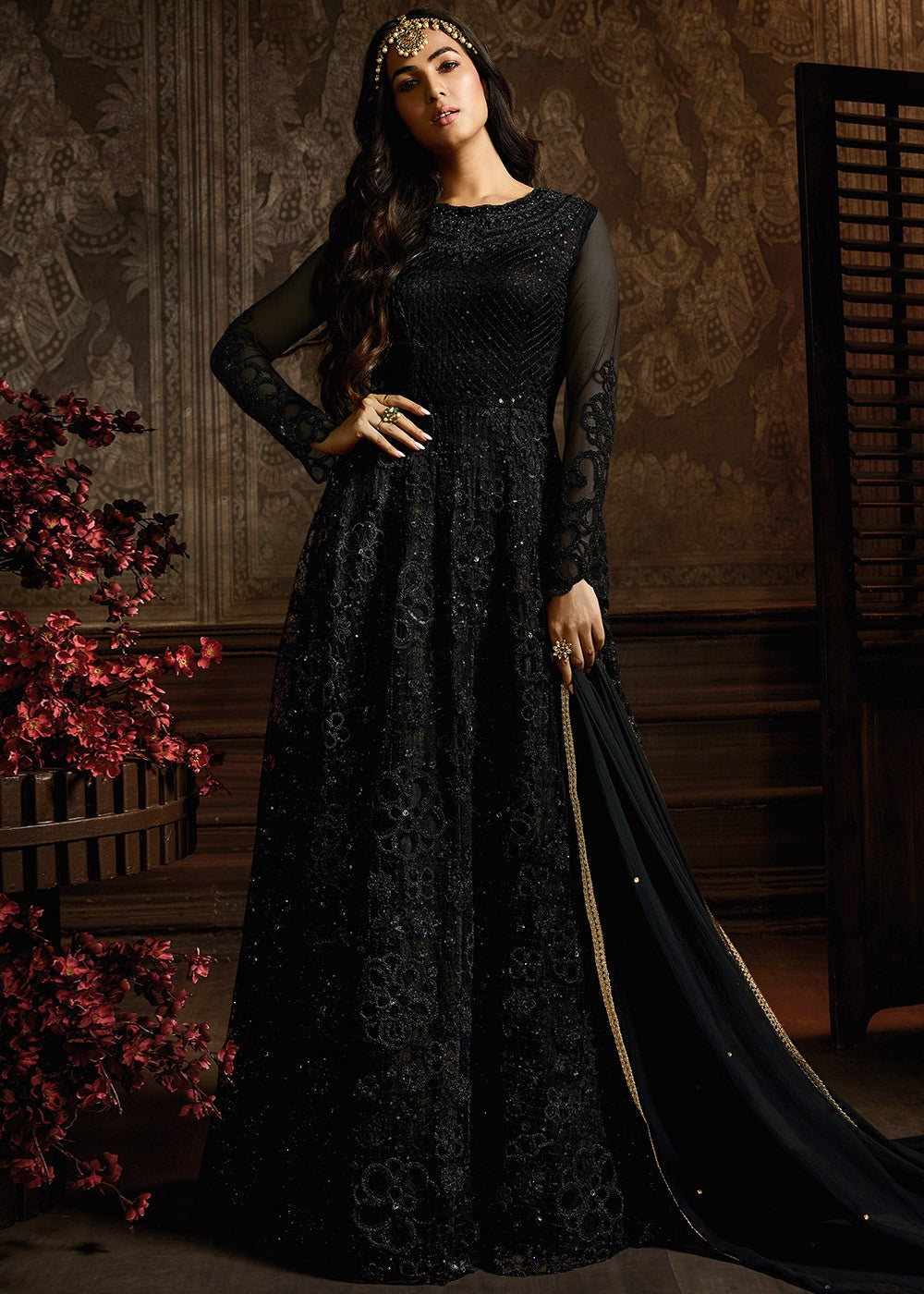 Black Embroidered Abaya Style Kameez