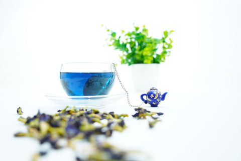 Lunare butterfly pea Bluebellvine tea and tea magick infuser ball