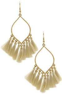 Lovely Day tassel earrings (Natural)