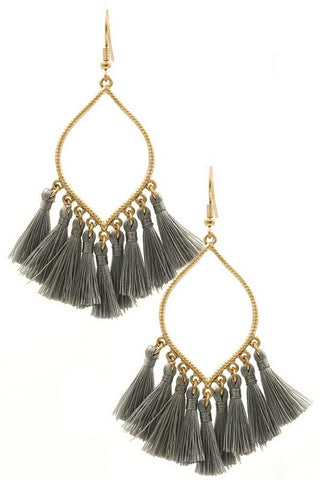 Lovely Day tassel earrings (Gray)