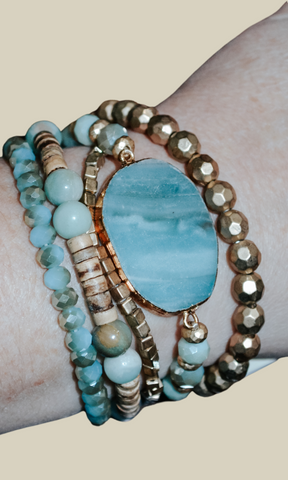 Walk Me Home mixed beads stone charm bracelet (Turquoise)