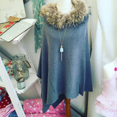 Cashmere poncho with Fur Trim