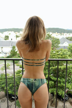Carregar imagem no visualizador da galeria, Palm Green Luna Top with straps