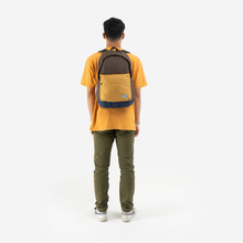 Load image into Gallery viewer, Sena Backpack Brown