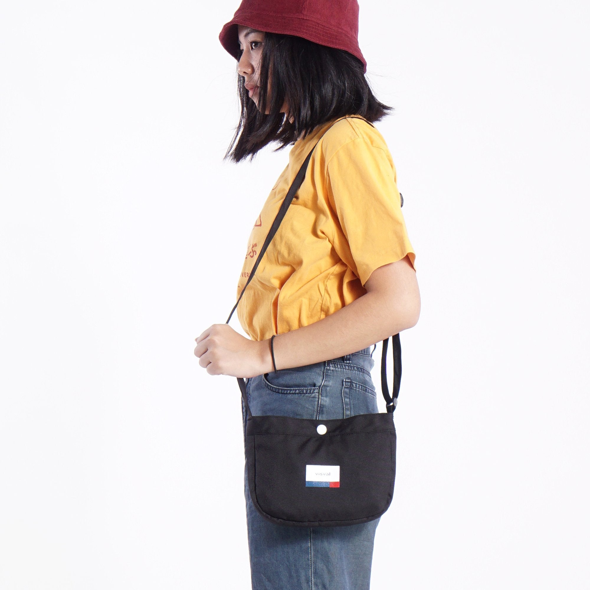 Maru Sling Bag Black
