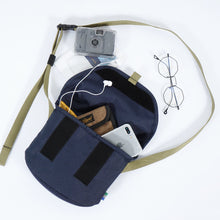 Load image into Gallery viewer, Meta Sling Bag Navy