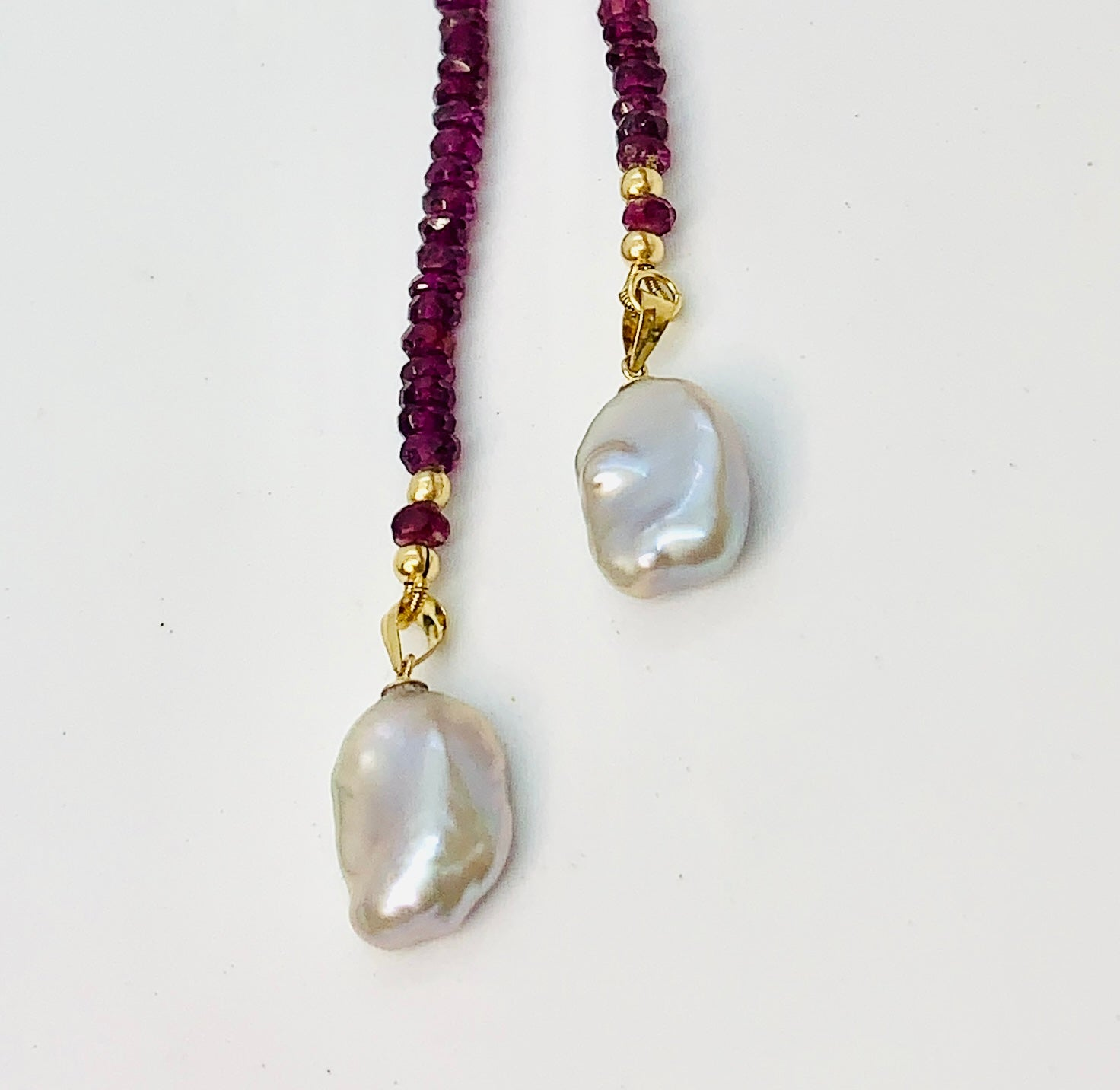 Rhodolite Garnet Gem Ombre Lariat Necklace with Keshi Pearls