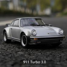 Load image into Gallery viewer, Welly 1:24  Porsche Alloy car model Collection