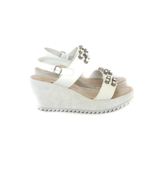 Flor Stud Wedge -White