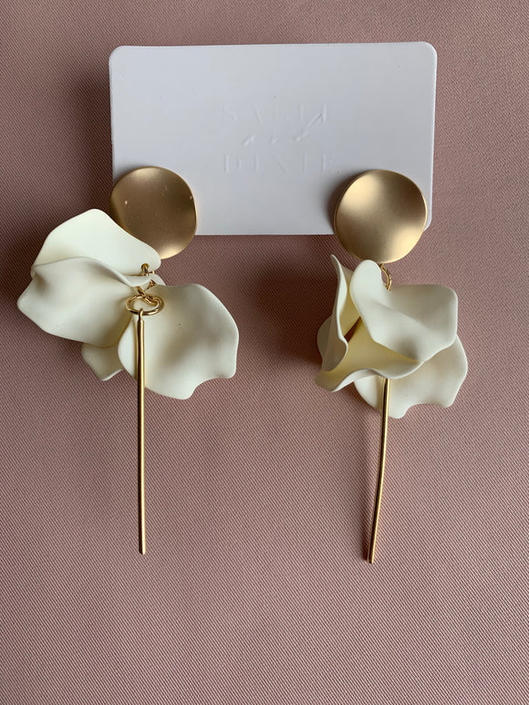 Sable and Dixie ESTA earring in Milk