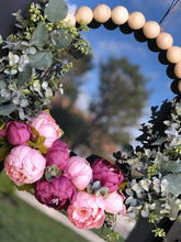 Load image into Gallery viewer, Spring favorite wreath