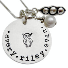 Load image into Gallery viewer, Personalized Peas in a Pod Mommy Necklace