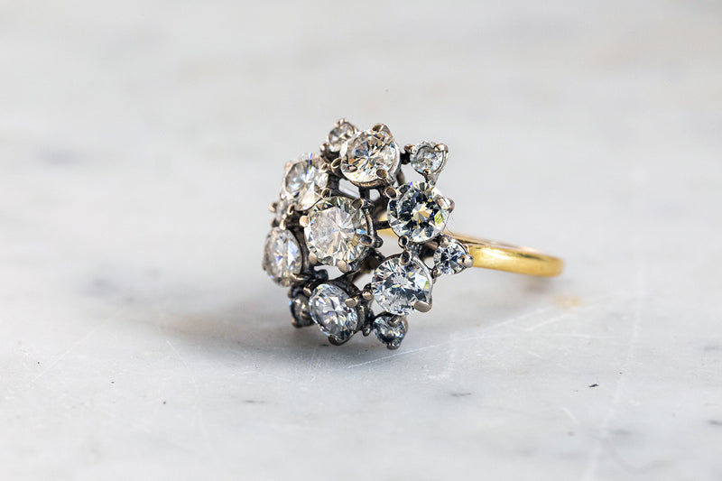 18ct White Gold cluster Ring set with Round Brilliant cut Diamonds