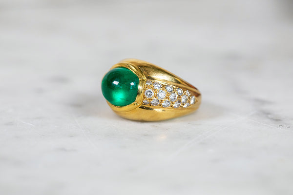 Cabochon Emerald and Diamond Ring set In 18ct Yellow Gold