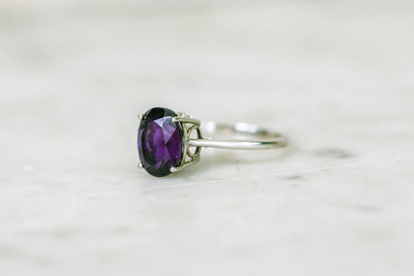 Oval Amethyst Ring set in Silver