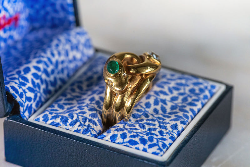 Snake style Ring with Emerald & Diamond set in 18ct Yellow Gold