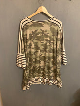 Load image into Gallery viewer, Plus Sized Stripe Contrast Camo Tunic