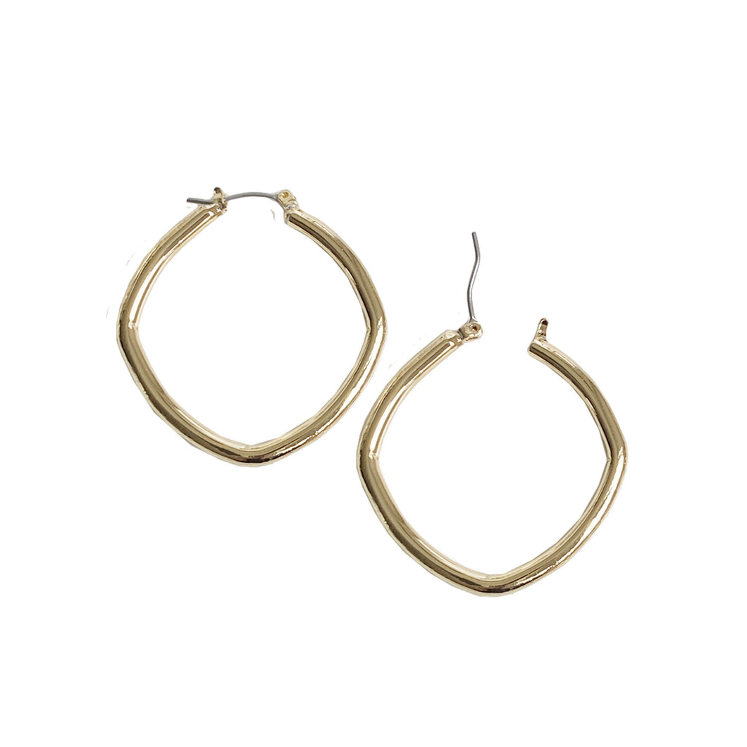 ANNEAUX CARRÉS AU FINI BRILLANT - OR BRILLANT | MEDIUM SQUARED HOOPS IN SHINY FINISH - SHINY GOLD