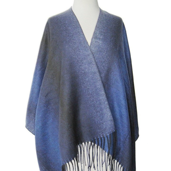 GRAND CHÂLE DOUX ET CHAUD MOTIF OMBRÉ  - BLEU | LARGE SOFT & WARM OMBRE PATTERN SHAWL  - BLUE