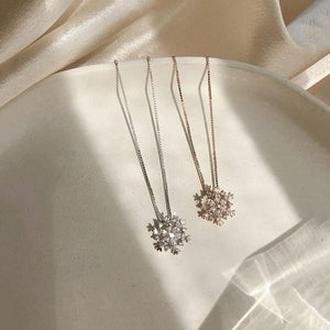Cubic Zircon Snowflake Pendant Necklace In Rose Gold And Silver Colors