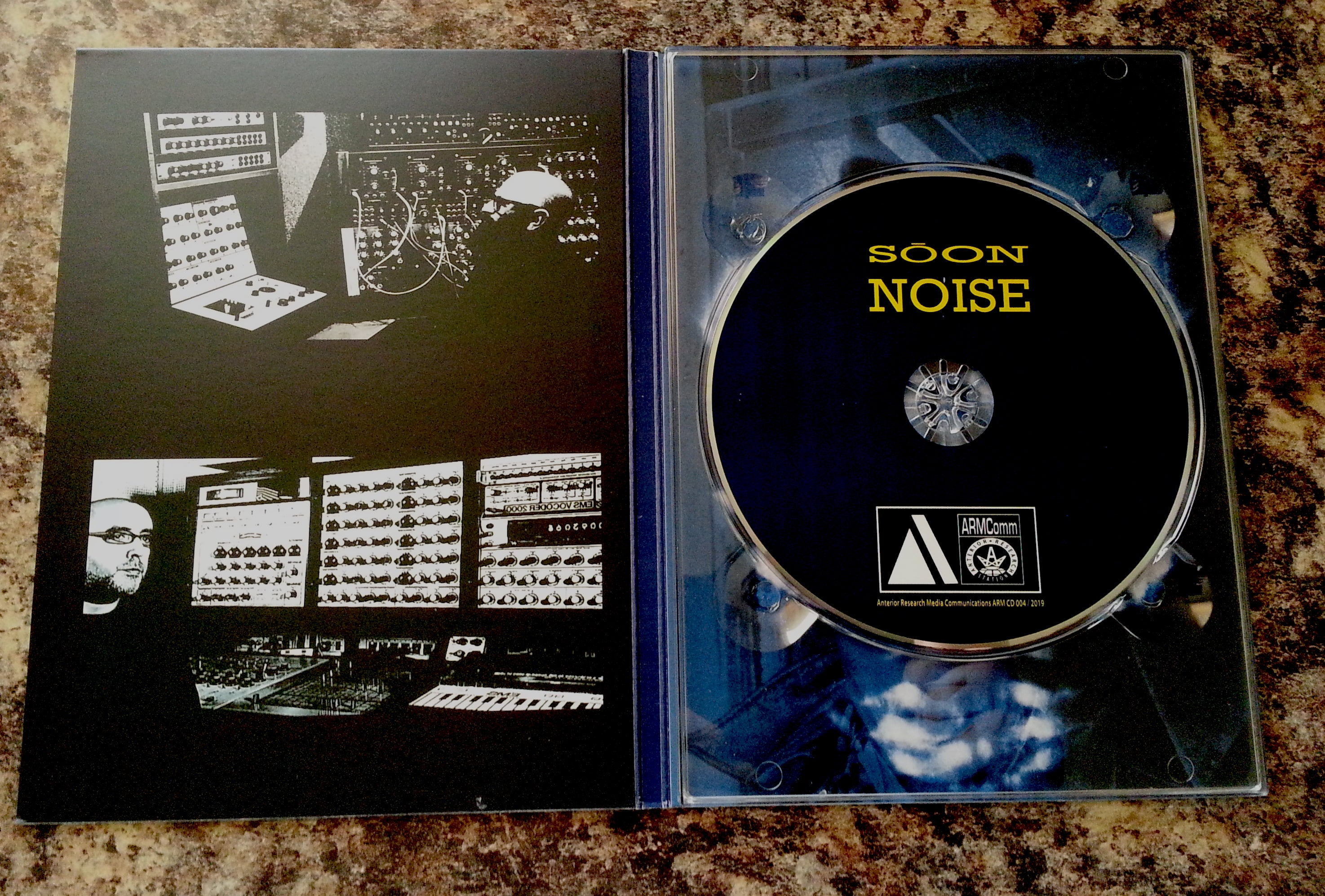 S Ō O N / NOISE A5 CD Digipack ARM CD 004